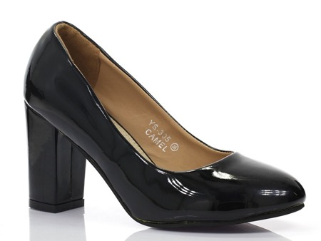 Black pumps lacquered on the Wotolla post - Footwear