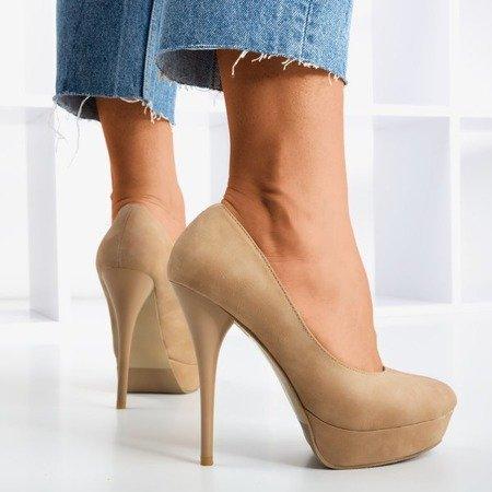 Brown pumps on Sabris's higher heel - Shoes 1