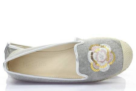OUTLET Gray espadrilles with a floral Hoa motif - Footwear