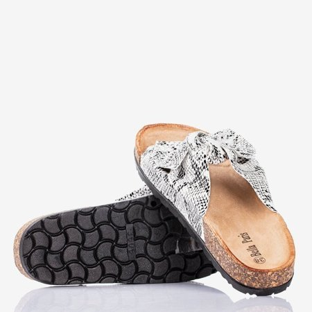OUTLET Women's white slippers with a bow a'la snake skin Sunshine - Footwear